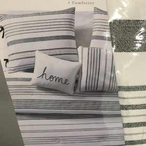 Other - Brand new 5 piece king comforter set